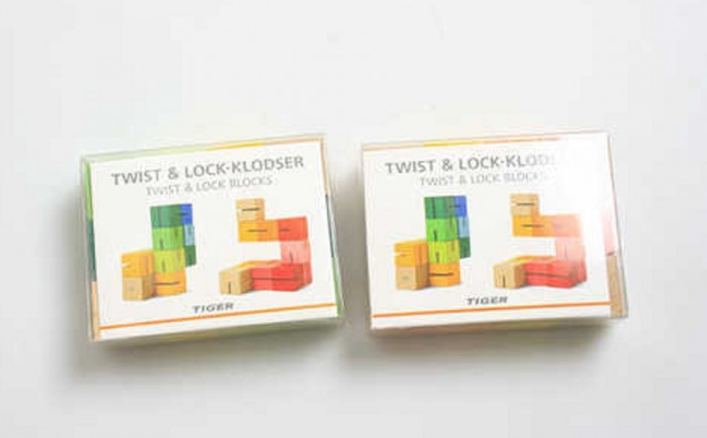 Tiger Twist and Lock wooden blocks